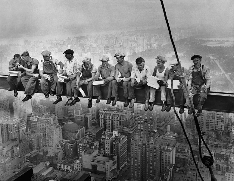 ©Charles C. Ebbets, Lunch Atop a Skyscraper, 1932, New York City